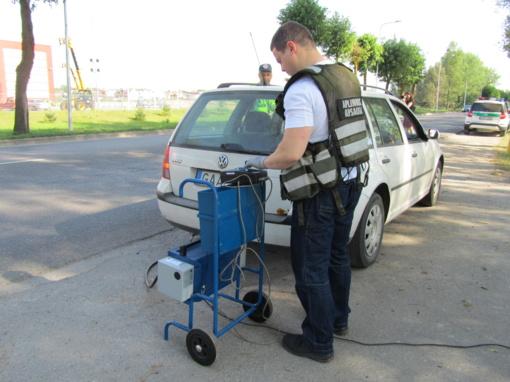 Mažeikių rajone buvo tikrinamos automobilių išmetamosios dujos