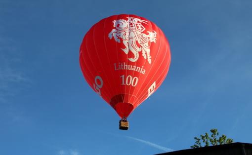 420 linkėjimų Lazdijams iš oro baliono