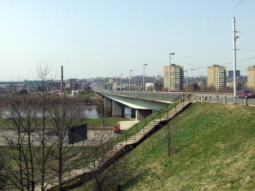 Varnių tilto remontui – analogų Lietuvoje neturintys sprendimai