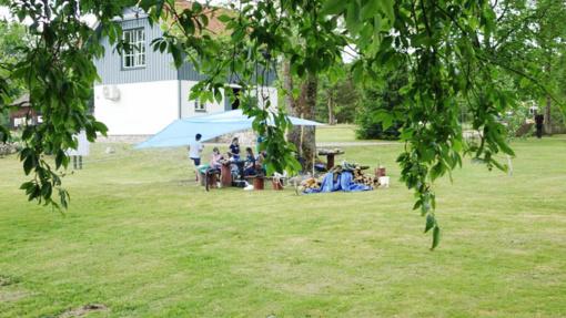 Mažosios Lietuvos paveikslų sode įsikūrė vasaros stovykla