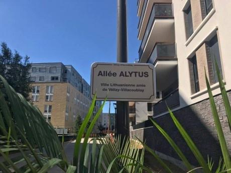 Paryžiaus priemiestyje – Alytaus gatvė