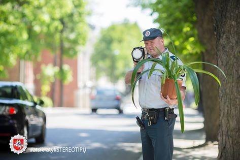 Policija kratosi stereotipų