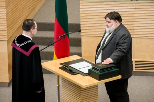 Prisiekė Seimo narys Andrius Navickas
