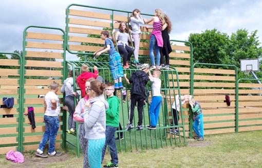 Šurmuliuojančiose stovyklose – nerūpestingos vaikystės džiaugsmai
