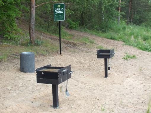 Kėdainiečiams padovanotos dvi lauko kepsninės, kuriomis gali naudotis visi norintieji