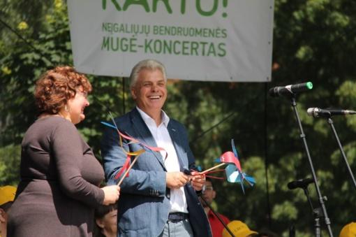 Respublikinė neįgaliųjų šventė Utenoje pateisino savo vardą: visi buvo kartu, kartu šoko dainavo ir džiaugėsi