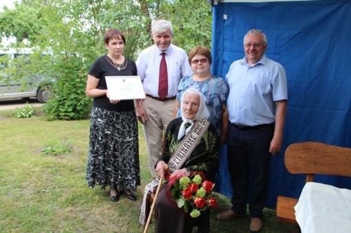 Pasveikinta šimtametė Julija Kalvėnienė