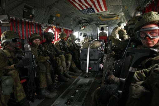 Profesinės karo tarnybos kariai bus išleidžiami į atsargą sukakę 60 metų