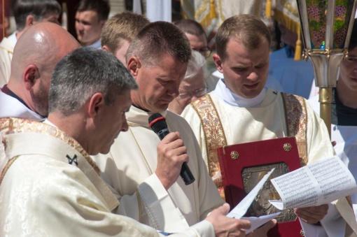 Pirmą kartą Lietuvoje - nuolatinių diakonų šventimai