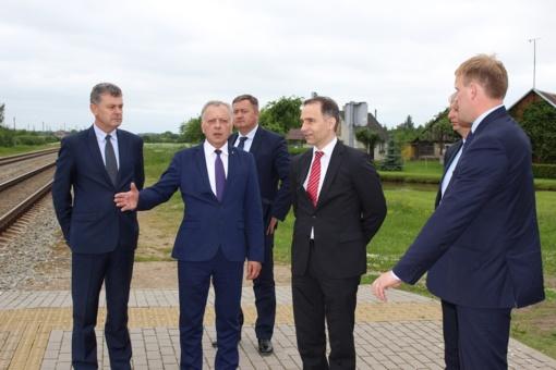 Susisiekimo ministras Rokas Masiulis skatina rengti projektus rajono keliams tvarkyti