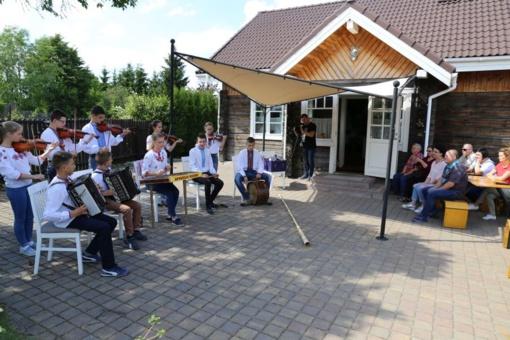 Pirmojoje lietuvių ir ukrainiečių vaikų vasaros stovykloje Kačerginėje – daug įvairių veiklų
