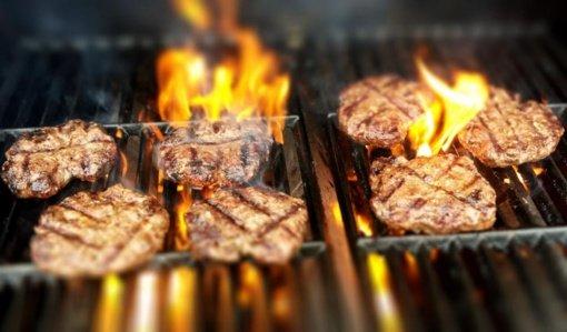 Vasarą tarp paklausiausių – maitinimo sektoriaus profesijos