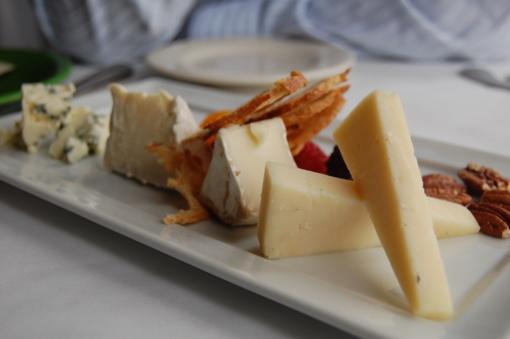 Mokslininkai patvirtino: sūris sveikesnis, nei manėte