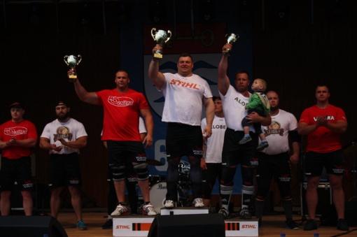 Ž. Savickas nelengvai laimėjo Baltijos galiūnų čempionato etapą Molėtuose