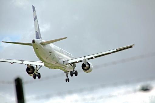 Sugedus karinių oro pajėgų lėktuvui, turėjusiam skraidinti prezidentę į Rygą, kaimynus latvius teko sveikinti iš Vilniaus