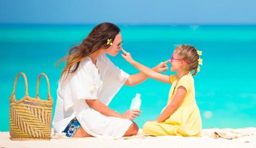 Kaip apsaugoti savo vaiką nuo žalingų saulės spindulių?