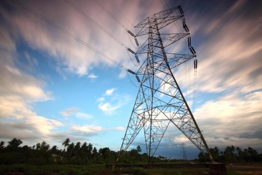 Sausi orai didino elektros kainas