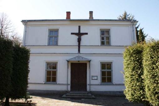 Pasvalio rajone bažnyčios pastatai išteplioti įžeidžiančiais užrašais