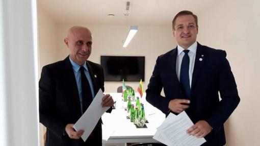 Lietuva susitarė su Italija dėl perkeliamų asmenų saugumo patikrinimo