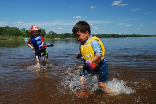Viešinto ežere šiuo metu maudytis nerekomenduojama