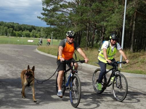 Valstybės dieną pasieniečiai Druskininkuose paminėjo dviračių žygiu