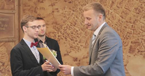 Pagerbti aukščiausius įvertinimus iš valstybinių brandos egzaminų gavę abiturientai