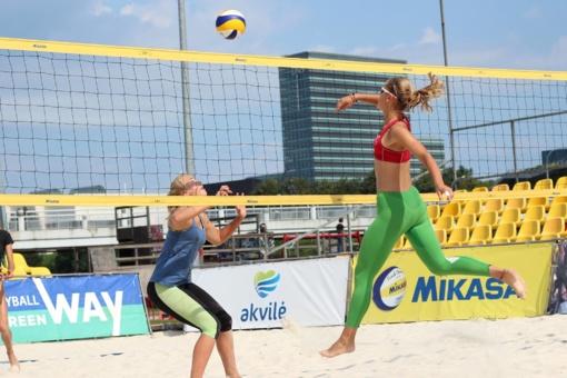 Paplūdimio tinklininkės I. Vasiliauskaitė ir G. Grudzinskaitė pergale pradėjo turnyro Vilniuje atranką