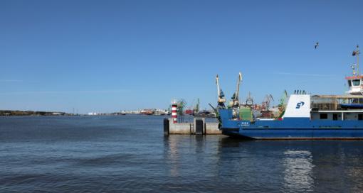 Į laivus aptarnaujantį laivą įsirėžė pamoginis kateris