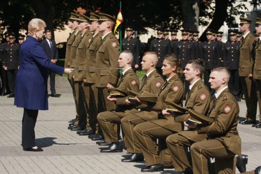 Tėvynei prisiekė Lietuvos karo akademijos absolventai