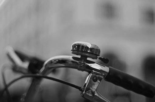 Šiaulių rajone į mašiną trenkėsi neblaivus dviratininkas