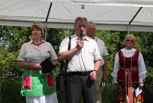 Kalvarijos miesto bendruomenė Onines šventė užmiestyje