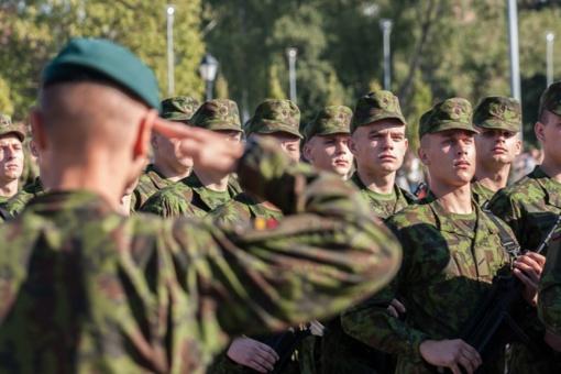 Dar šiemet privalomąją karo tarnybą pradės per 3,5 tūkst. šauktinių