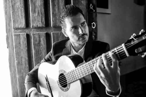 Flamenko gitaristas K. Pinana naujausią savo kūrinį pristatys Vilniuje