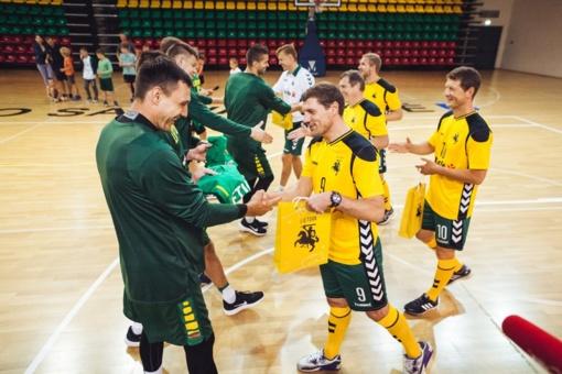 To dar nebuvo: krepšinio ir futbolo rinktinės rungtyniavo tarpusavyje (VIDEO)