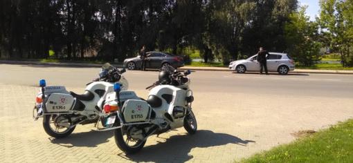 Kelmėje ir Telšiuose pareigūnai baudė Kelių eismo taisyklių pažeidėjus (FOTO)