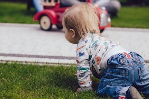 Ir vieną vaiką auginantiems tėvams siūlomas papildomas laisvadienis