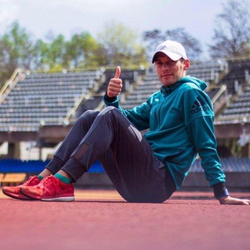 Pavardes į istoriją įsirašę maratonininkai: bėgdamas už Lietuvą veji mintis apie pasitraukimą