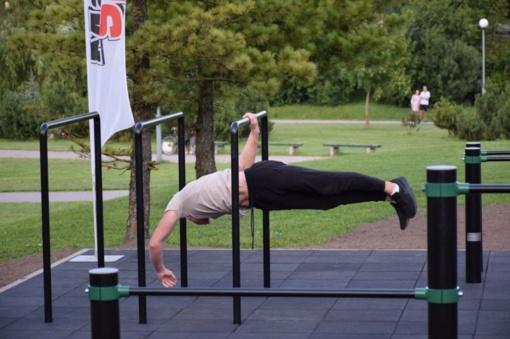 Dovana miestui – gatvės gimnastikos aikštelė