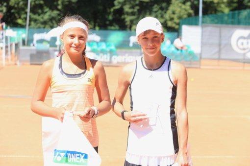 Lietuvės Klaudija Bubelytė ir Patrija Paukštytė - Europos teniso asociacijos keturiolikmečių rinktinėje