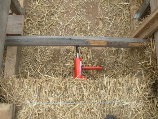 Kėdainių rajone šiaudų presavimo įrenginys mirtinai sužalojo vyrą