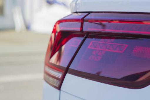 Perspėja automobilių savininkus: neatsakingas elgesys kieme brangiai kainuoja