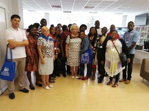 Marijampolės bibliotekoje - svečiai iš Afrikos