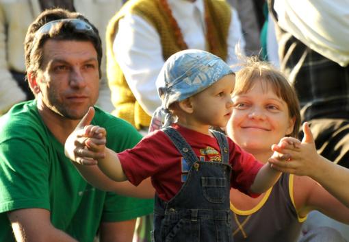 Šeimų šventėje – apie pozityvią tėvystę, šeimos ryšių stiprinimą ir bendruomeniškumą