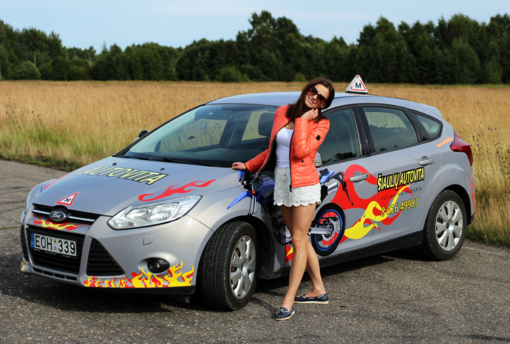 Lengvųjų automobilių vairavimo kursų kainos šalyje ženkliai skiriasi