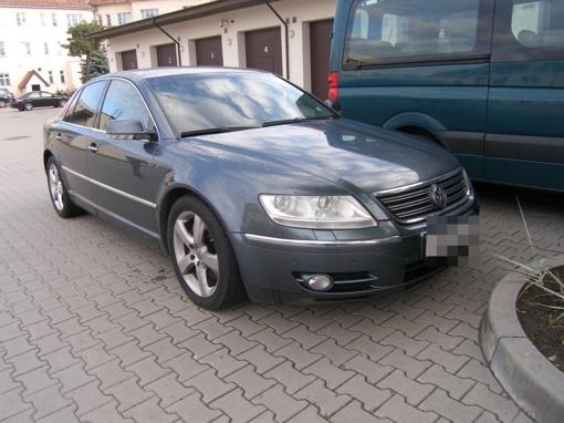 Nidos poste sulaikytas Liuksemburge pavogtas automobilis
