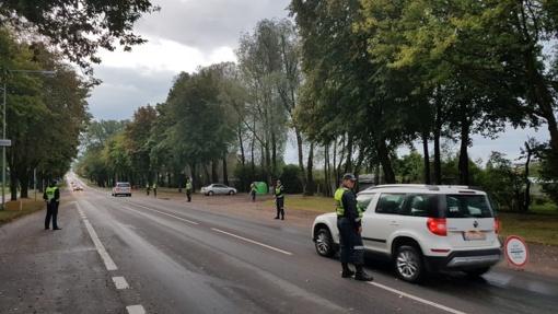Palangos pareigūnai savaitgalį patikrino šimtus vairuotojų