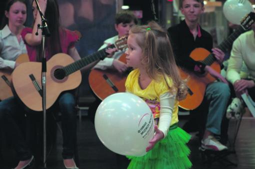 YAMAHA muzikos mokykla: muzikuoja ir kūdikėliai, ir vyresnėliai