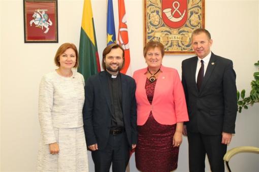 Šv. Mortos grupės misija – gelbėti prekybos žmonėmis aukas