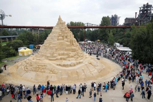 Naujas pasaulio rekordas– aukščiausia smėlio pilis
