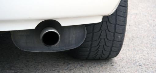 Siūloma leisti keliuose tikrinti transporto priemonių išmetamųjų dujų kiekį